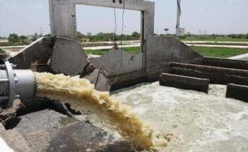 Se realiza la modernización del drenaje de la ciudad y de las instalaciones de tratamiento de aguas residuales. (Redacción/SIPSE)