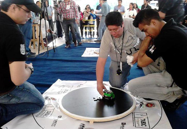 Los concursos de minirrobótica impulsan el desarrollo y la innovación tecnológica de los estudiantes. (Milenio Novedades)
