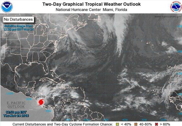 Imagen de satélite del Centro nacional de Huracanes de Miami, Florida, que muestra laubicación del huracán otto, al mediodía de este jueves 24 de noviembre de 2016. (www.nhc.noaa.gov)