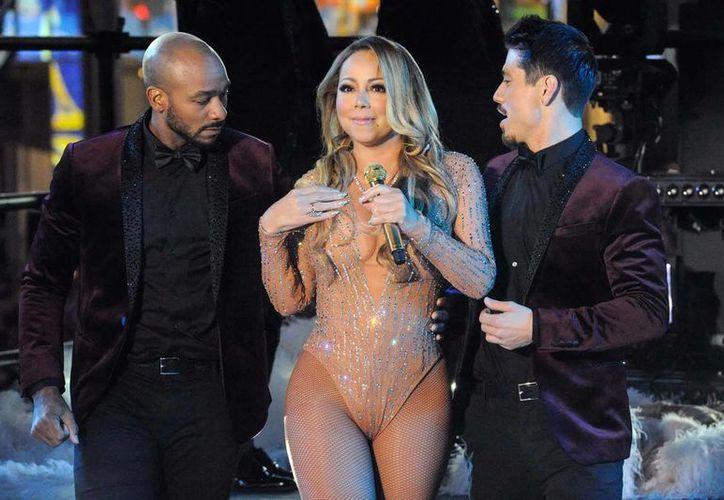 La cantante realizó acusaciones sobre un posible sabotaje de la empresa de sonido en su actuación de Año Nuevo, en Nueva York.(Notimex)
