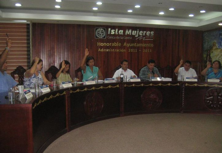 Sesión ordinaria de Cabildo presidida por el presidente municipal. (Lanrry Parra/SIPSE)