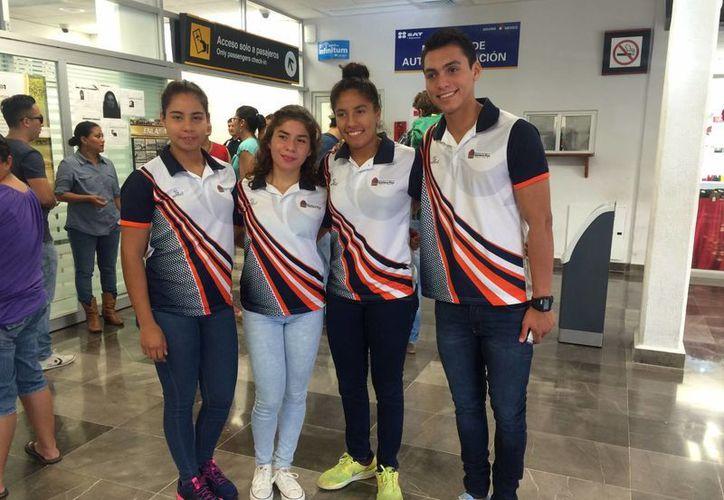 Los jóvenes atletas que viajaron a la Ciudad de México. (Claudia Martín/SIPSE)