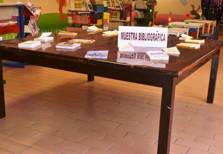 Esto se lleva a cabo en el marco de la Muestra Bibliográfica de septiembre. (Redacción/SIPSE)