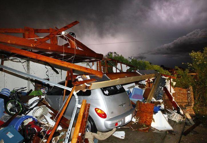 La tempestad desbarató casas y autos: destruyó todo a su paso. (Agencias)