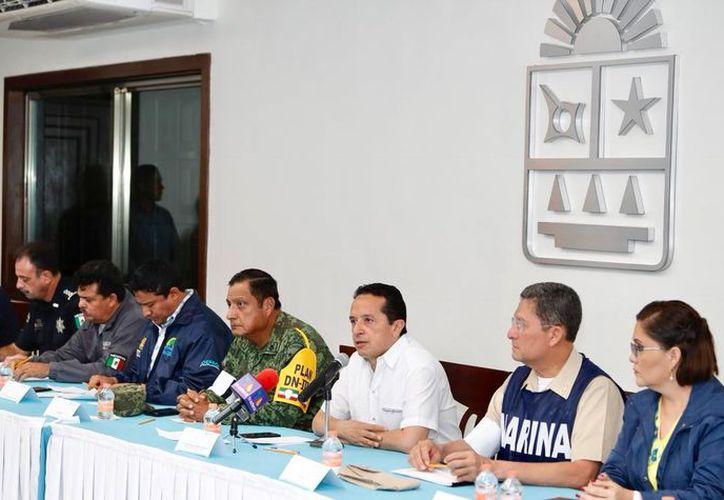 El mandatario afirma que se atenderá a la gente afectada por las inundaciones; se instalaron albergues para los casos en que se requiera asistencia. (Redacción/SIPSE)