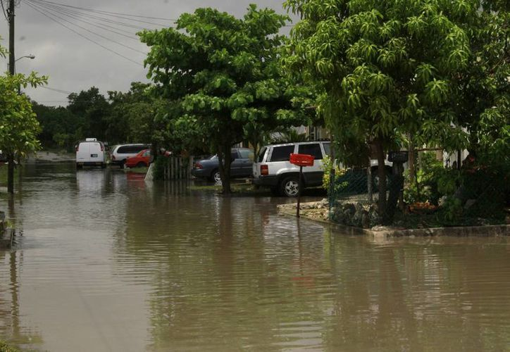 La lluvia se alejará de Cancún estos días, para dejar que continúen las altas temperaturas, propias de agosto. (Tomás Álvarez/SIPSE)