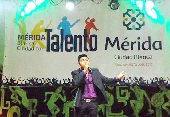 Jóvenes participan en el programa 'Mérida Blanca Ciudad con Talento'. (Milenio Novedades)