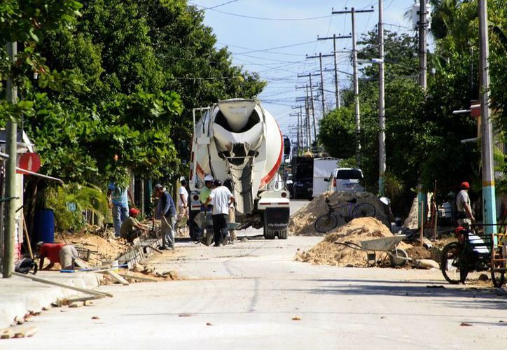 Los recursos permitirán realizar obras para atender el rezago social de la capital del estado. (Harold Alcocer/SIPSE)