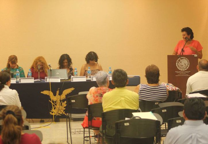 Durante la presentación mencionaron que en los ámbitos judiciales se ha observado obstáculos normativos para el ejercicio pleno de los derechos reproductivos de las mujeres. (Harold Alcocer/SIPSE)