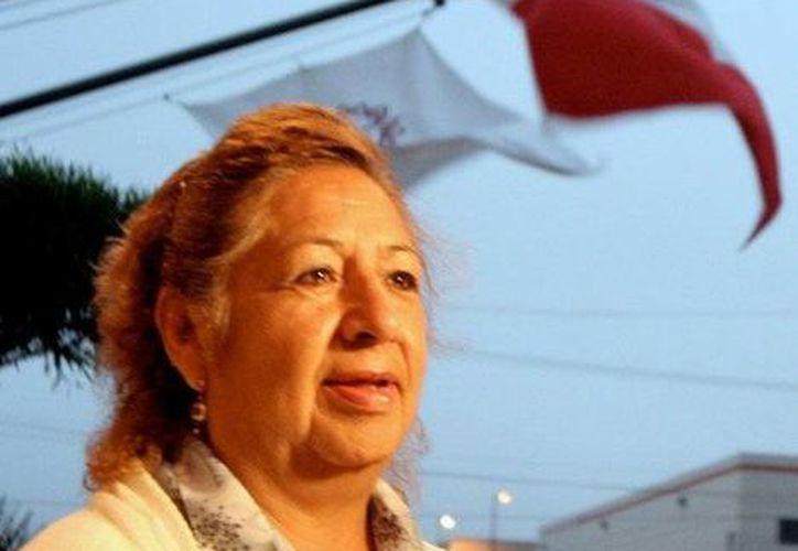 María Elena Solís lleva a cuestas las esperanzas de mucha gente que tiene algún familiar desaparecido. (iniciativamexico.org)
