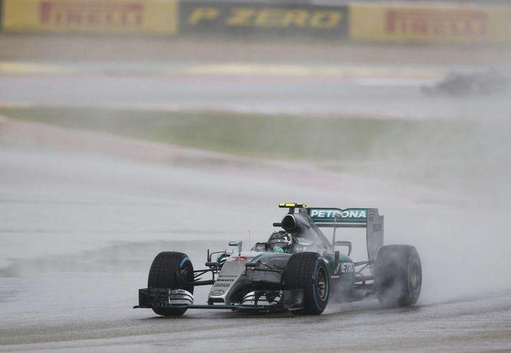 Rosberg que marcha tercero en el campeonato, intentará recortar distancia ante su coequipero Hamilton. (Foto: AP)