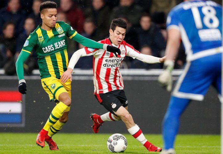 Hirving Lozano fue titular y jugó 80 minutos en el partido de la Eredivisie de Holanda. (Foto: PSV/Twitter)
