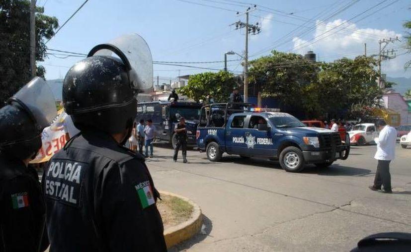 El alcalde Luis Jiménez Hernández fue emboscado Autoridades policiacas informaron que el alcalde emboscado recibió un balazo en la espalda. (SIPSE/Archivo)