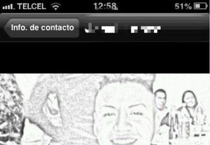 El ladrón tuvo el descaro de publicar su fotografía en el celular robado. (Foto: Twitter)