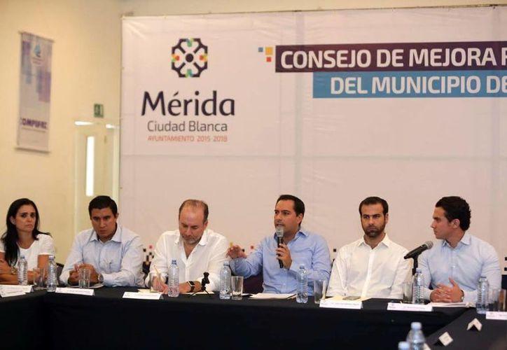 Las autoridades de Mérida aplican simplificación administrativa para favorecer la apertura de negocios en la ciudad. (Milenio Novedades)