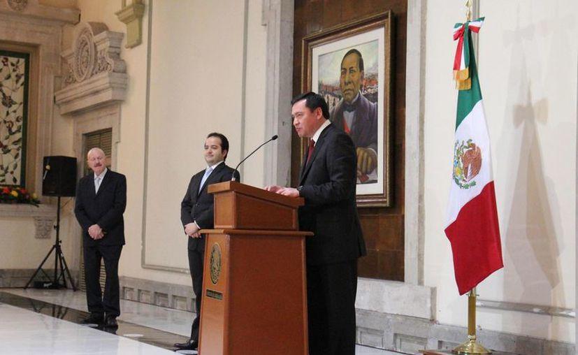 El Secretario informó que PGR y estados colaborarán en la búsqueda. (Notimex)
