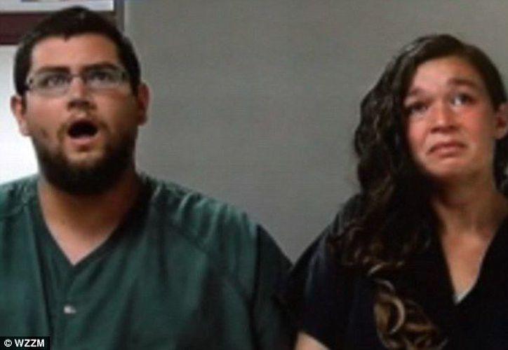Los padres recibieron con asombro los cargos que podrían mandarlos de por vida a prisión. (Daily Mail)
