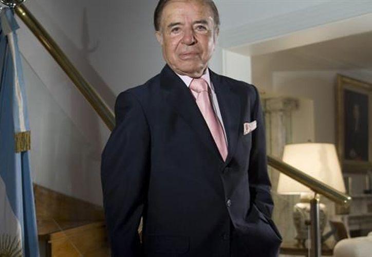 El expresidente de Argentina y actual senador, Carlos Menem, fue condenado a siete años de prisión por venta de material bélico. (La Nación)