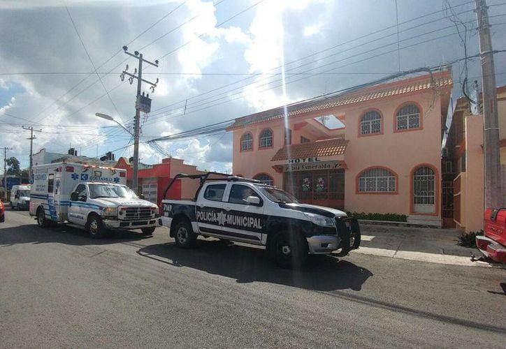 El cuerpo sin vida de un joven fue encontrado en la habitación de un céntrico hotel de Cozumel. (Redacción/SIPSE)