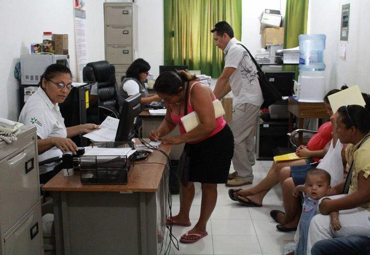 Miles de personas están afiliadas al Seguro Popular del estado. (Luis Soto/SIPSE)