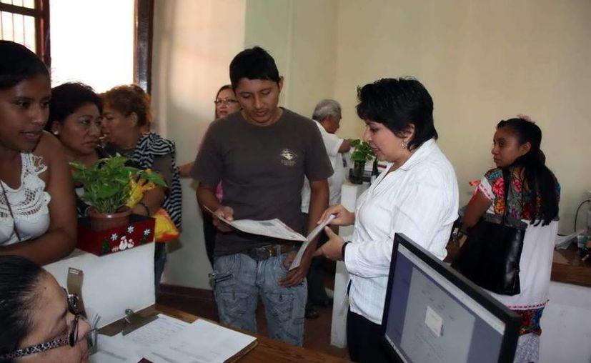 Personas de otros estados ahora pueden tramitar actas desde Mérida. (Milenio Novedades)