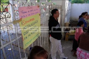 Roban cableado eléctrico en escuela de Bonfil