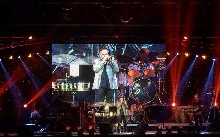 El trompetista ganador de Grammys, Arturo Sandoval, deleitó a los cancunenses con su música. (Cortesía)