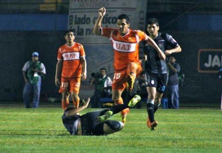 A los jugadores del CF Mérida, eliminados en el Ascenso MX por Correcaminos, les queda el consuelo de que en la Copa MX marchan bien. (Milenio Novedades)