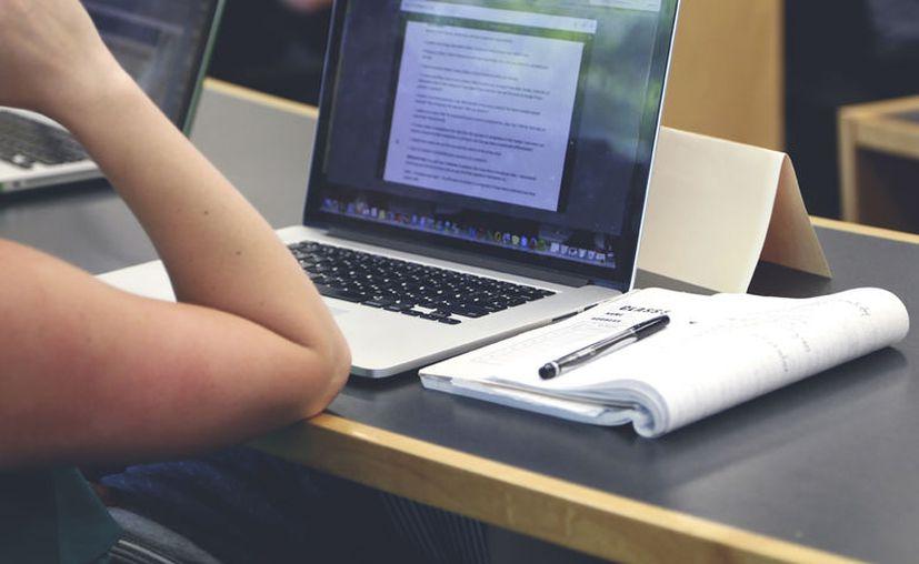 El aprendizaje podrá ser en cualquier horario, y con la opción de ingresar a los foros con el capacitador para atención personalizada y resolución de dudas. [Foto: Pexels]