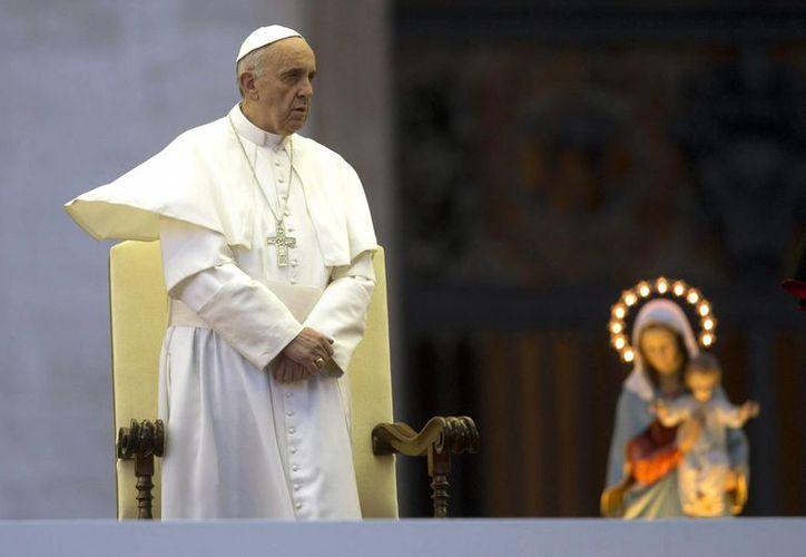 """Francisco invitó por ende a ser """"coherentes"""" con la fe y con la cruz. (Agencias)"""