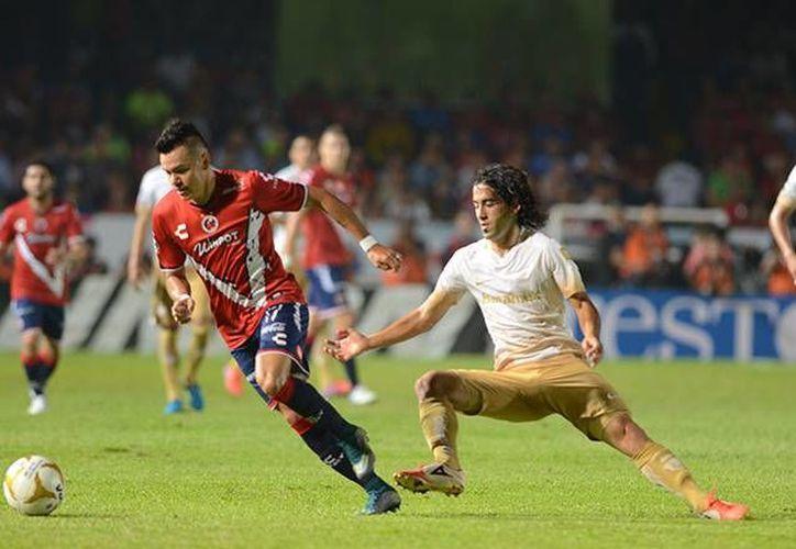 Los Pumas de la UNAM cayeron este jueves 1-0 ante los Tiburones Rojos del Veracruz, en el partido de ida de los cuartos de final de la Liga MX. (Mexsport)