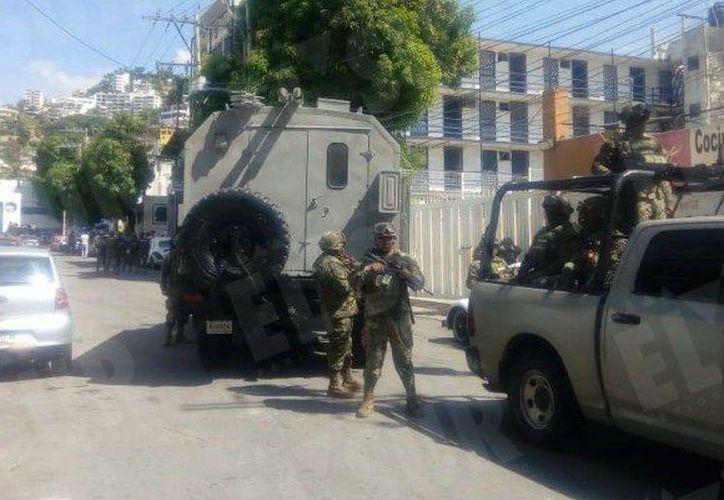 Esta mañana elementos de la SEMAR tomaron el control de la Secretaría de Seguridad Pública de Acapulco.  (suracapulco.mx)