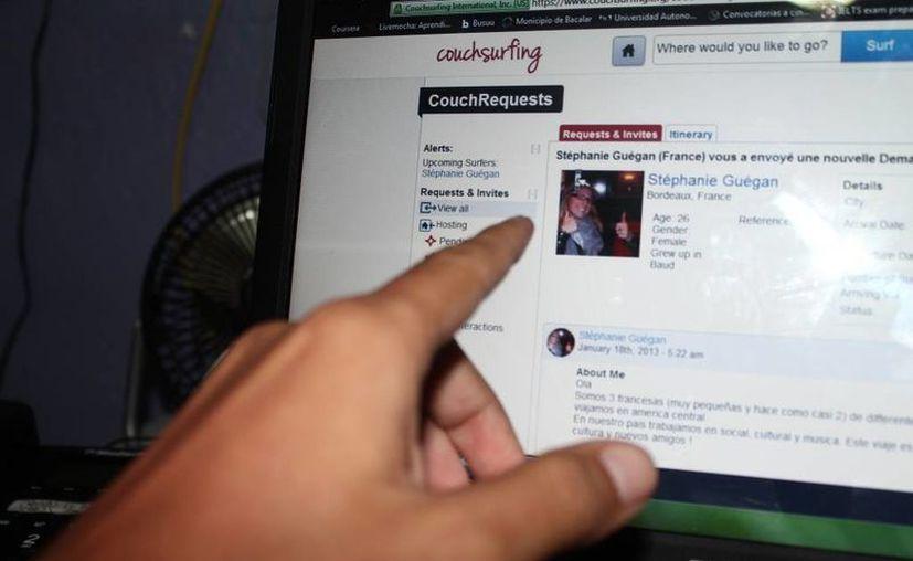 """La red social Couchsurfing se especializa en contactos entre viajeros que busquen un """"sillón para pasar la noche"""" durante algunos días mientras viajan alrededor del mundo. (Juan Carlos Gómez/SIPSE)"""
