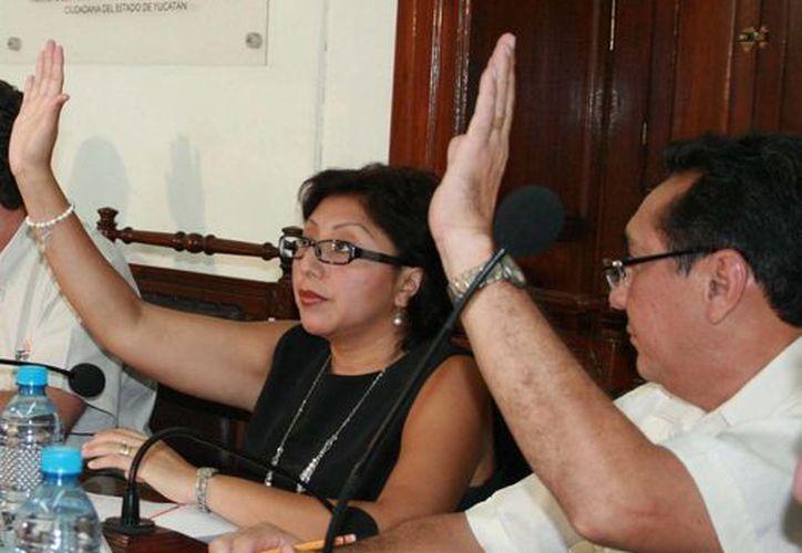 Imagen de una sesión del Ipepac con los actuales cinco consejeros electorales.(Milenio Novedades)