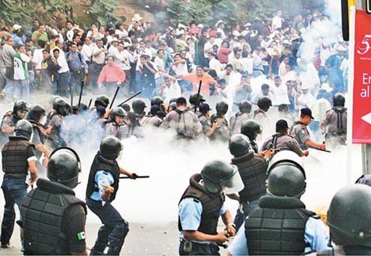 Rebautizada ahora como frente único de lucha social, va contra Peña Nieto, el pacto y las reformas. (Milenio)