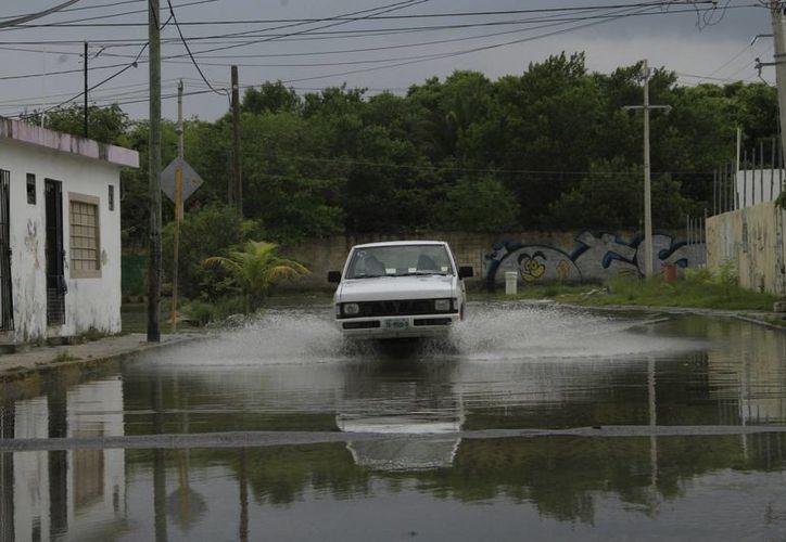 Protección Civil pronostica lluvia pero de menor intensidad. (Tomás Álvarez/SIPSE)