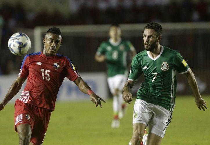 México bajó una posición en el Ranking FIFA, a pesar del triunfo en EU y el empate ante la selección de Panamá.(Arnulfo Franco/AP)