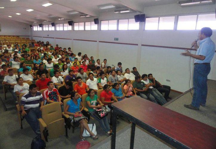 Pláticas preventivas en el Instituto Superior de Progreso (ITSP). (Manuel Pool)