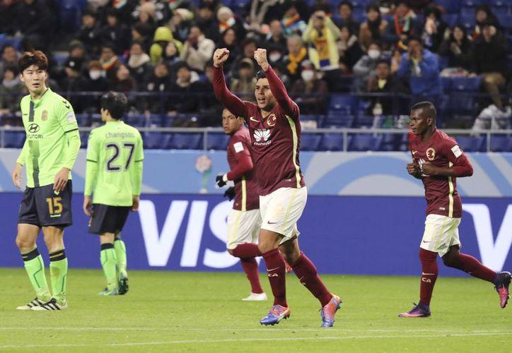 Silvio Romero se encargó de darle la primera victoria al América en el Mundial de Clubes 2016.El próximo jueves, las águilas enfrentarán al Real Madrid de CR7.(Eugene Hoshiko/AP)