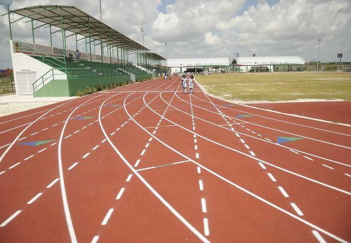 El centro tiene pista de tartán para atletismo. (Cortesía/SIPSE)