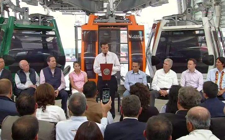 El presidente de México, Enrique Peña Nieto, asistió el martes a la inauguración del primer teleférico para transporte masivo del país. (@PresidenciaMX)