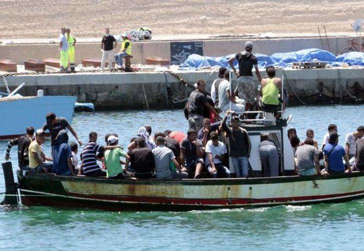 Unas 264 mil 500 personas han cruzado el mar Mediterráneo en lo que va de año para intentar llegar a las costas europeas. (Archivo/AP)