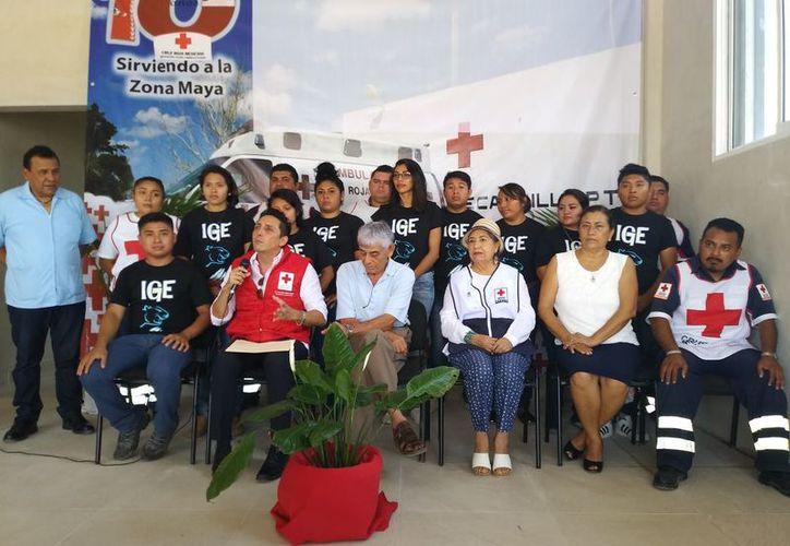 Tanto voluntarios como artistas de la zona maya participaron en la realización del clip. (José Chi/SIPSE)