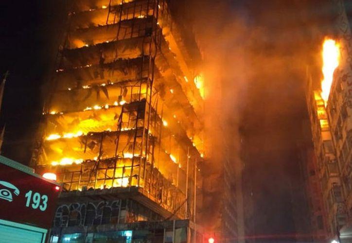 Los residentes de un hotel cercano han sido evacuados. (Twitter)