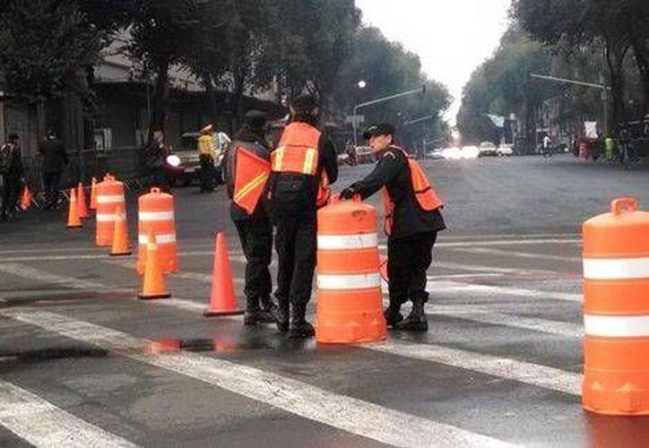 Muchas calles aledañas al Centro Histórico del DF son cerradas por el segundo informe de gobierno de Enrique Peña Nieto. (Milenio)