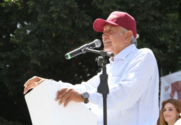 Aseguró que de ganar otorgaría apoyos a los jóvenes, a través de becas. (Foto: Notimex).