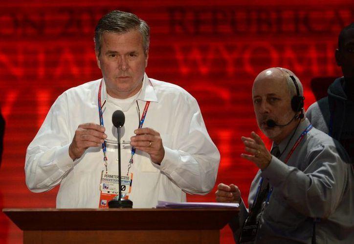 Jeb Bush cuenta con gran popularidad en la comunidad latina: habla español y está casado con una mexicana. (Archivo/SIPSE)