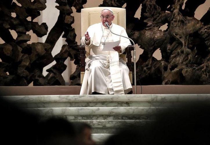 """Se desconoce si el Papa ya leyó por completo el informe de """"Vatileaks"""" sobre corrupción. (Notimex)"""