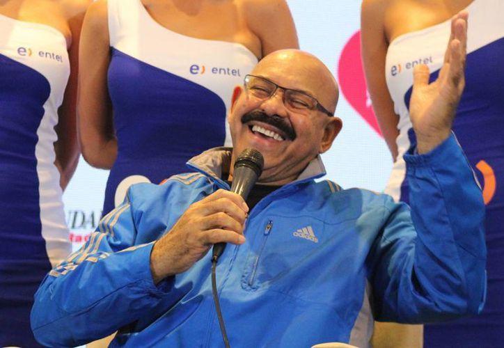 El cantante venezolano Oscar de León, quien ejerce como jurado de la competencia de canciones en el Festival de Viña del Mar, no quiso ahondar en cuestiones políticas sobre su país. (Notimex)