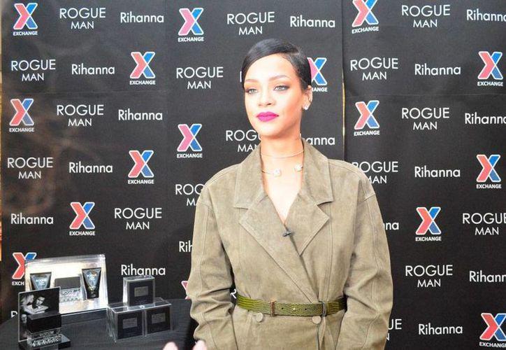 La cantante Rihanna lanzó el segundo sencillo de su nuevo disco 'R8': 'BBHMM'. (rihannanow.com)